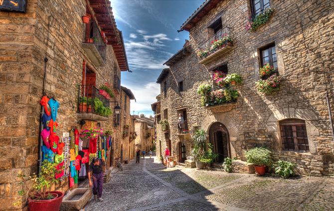 7. Aínsa - Huesca